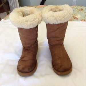 Sheepskin and Leather UGG Boots